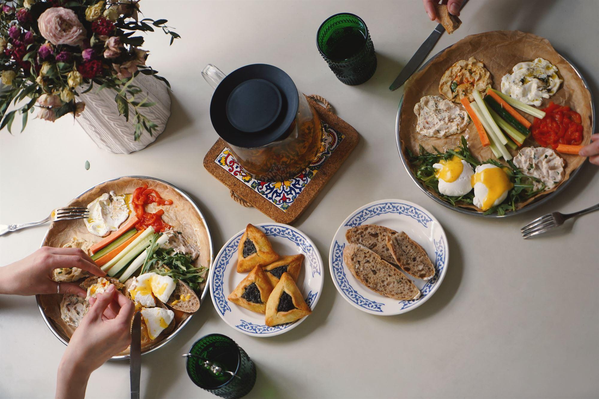 Израильские завтраки: придумано и приготовлено Бекицером с использованием продуктов буше